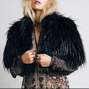 NWOT! Free People Snowcat Faux Fur Cape Capelet